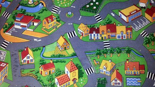 Kinderzimmerboden mit Spielstraßen