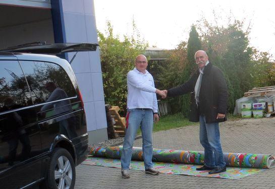 Teppichübergabe für einen Kindergarten in Gaggenau