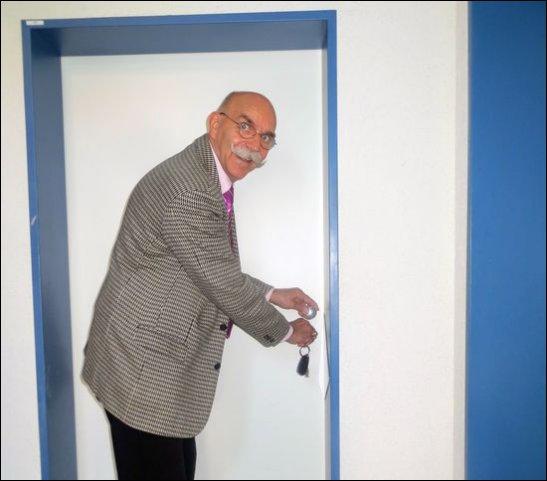 Der Chef schließt heute einmal persönlich die Tür auf