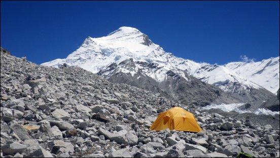 Cho Oyu Bergansicht mit Zelt Basecamp auf 5700 Metern