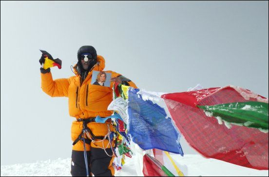 Christain Sander auf dem Gipfel des 8.201 Meter hohen Cho Oyu im Himalaya